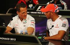 Michael Schumacher (à gauche) et Lewis Hamilton (à droite) en 2012 lors du Grand Prix de Monaco.