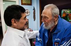 Diego Maradona (à gauche) et Fidel Castro entretenaient une relation amicale depuis leur rencontre en 1987. Ici la photo a été prise le 15 avril 2013.