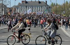Français et décideurs pour la réforme et contre la grève des fonctionnaires