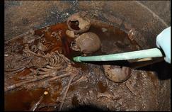 Le mystérieux sarcophage noir d'Alexandrie a été ouvert