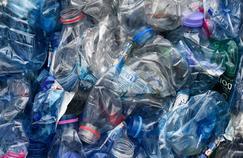 Des enzymes arrivent à digérer et recycler le plastique des bouteilles