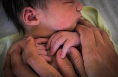 Enfants nés de GPA à l'étranger : adoption plénière accordée à l'époux du père biologique