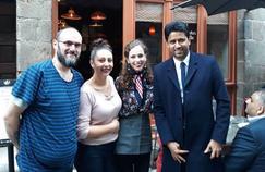 Nasser Al-Khelaïfi s'est montré particulièrement simple dimanche, en se rendant dans une petite crêperie à l'heure du déjeuner, à Rennes.