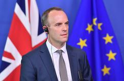 Le ministre du Brexit démissionne en protestation contre l'accord de Theresa May