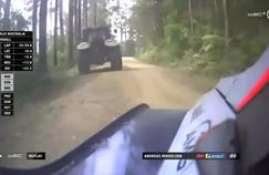 Le tracteur qui a causé la sortie de route d'Andreas Mikkelsen.