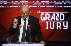 Jean-Yves Le Drian réclame «un nouveau contrat social» à Emmanuel Macron