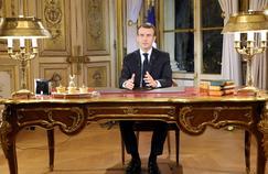 «Par ses mesures, Macron donne d'une main ce que l'État reprend de l'autre main»