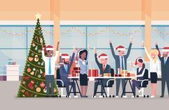 Noël au bureau : la mode est aux «pulls moches» et aux «Secret Santa»