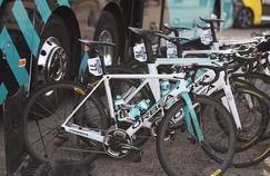 Les vélos de l'équipe Vital Concept - B & B Hôtels utilisés pour le Tour d'Andalousie.