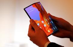 Nous avons pris en main le Mate X, le smartphone pliable de Huawei