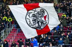 Drapeau de l'ancien blason de l'Ajax, très apprécié par les supporters