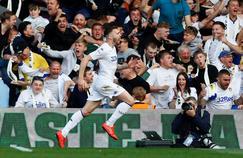 Stuart Dallas pendant la rencontre entre Leeds et Deby County en play-offs de la Championship.