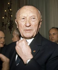 Konrad Adenauer à Paris le 16 mars 1966.