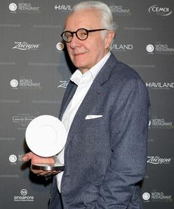 Alain Ducasse sacré du meilleur «chef sans tatouage».