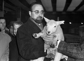 Egard Pisani en 1965, alors ministre de l'Agriculture du gouvernement Pompidou.