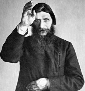 Raspoutine acquiert vite une réputation de saint homme (starets) et de guérisseur.