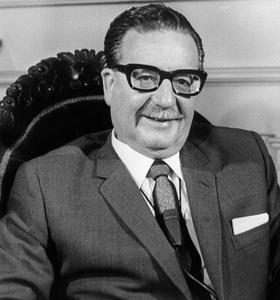Le président socialiste chilien Salvador Allende, ici en 1970, est renversé par un putsch militaire en septembre 1973.