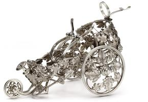Magnifique chariot à vin vigne 1860 en métal argenté.