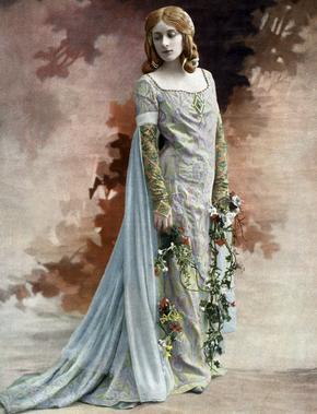 La cantatrice écossaise Melle Mary Garden (1874-1967) dans le rôle de Mélisande dans l'opéra «Pelléas et Mélisande» à l'Opera Comique en 1902.