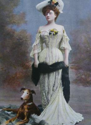Portrait de la comtesse de Gerson, photographiée par Benque dans «Le Figaro-Modes» de décembre 1903.