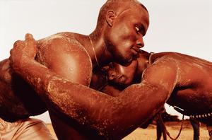Au Bar Floréal: «Lutteurs», par Caroline Pottier, Sénégal, 1999.