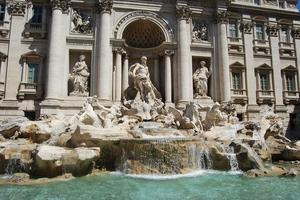 La Fontaine de Trévi à Rome, souvent prise d'assaut par les touristes. (Crédit: Pixabay)