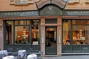 Le Grand Café.