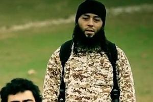 Sabri Essid, beau-frère de Mohamed Merah, reconnu dans une vidéo de l'Etat islamique mettant en scène l'éxecution d'un agent du mossad par un enfant.