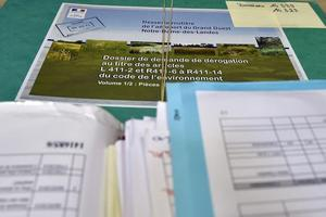 Le dossier Notre-Dame-des-Landes au tribunal administratif de Nantes, le 18 juin 2015, avant examen des recours déposés par les opposants au projet.