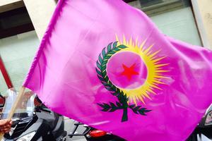 Le drapeau des femmes Kurdes.