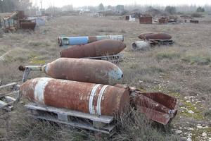 Il resterait sur le site 1200 obus au phosphore à bombe incendiaire. © Agir pour Crau