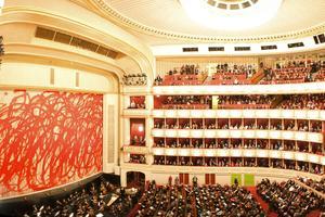 Le Wiener Staatsoper, l'opéra d'État de Vienne, est l'un des plus prestigieux opéras du monde.