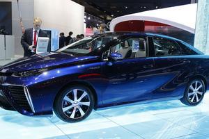 La Mirai de Toyota, voiture équipée d'une pile à combustible.