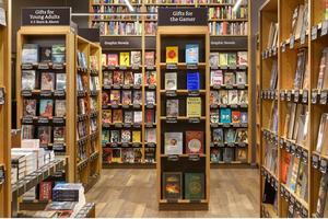 Les livres sont présentés de face