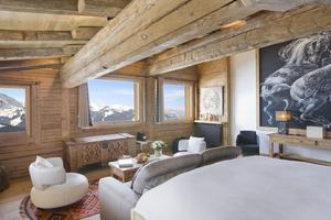 L'hôtel propose cinquante et une chambres décorées avec goûts.