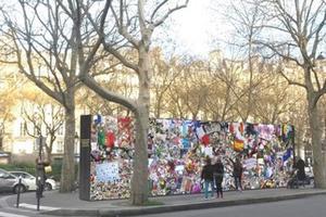 «Mur de la liberté», projet où chacun peut laisser un message (P. Valent)