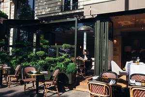 Restaurant T (VIIe).