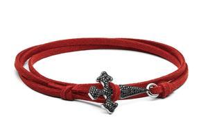 Bracelet poignard en cuir, diamants noirs, or noir et or blanc, collection masculine Blood Diamonds, Stone Paris, prix sur demande.