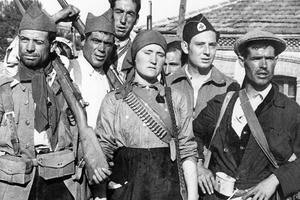 Miliciens républicains en armes en août 1936.