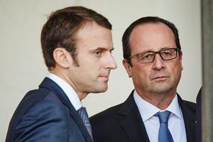 François Hollande et Emmanuel Macron sont les cibles de l'ancien président qui fustige leur inaction pour attirer les entreprises, deux mois après le Brexit.