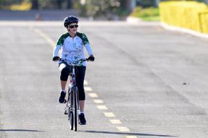 La présidente Dilma Rousseff a été apperçue dimanche, faisant du vélo à Brasilia.