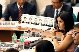 Audition au Sénat de Manille.