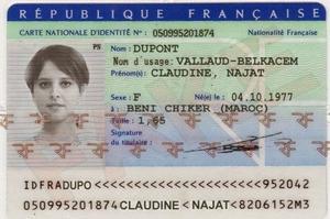 Fausse pièce d'identité attribuée à la ministre de l'Éducation relayée sur internet.