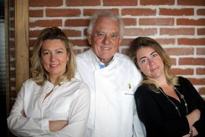 Caroline, Michel et Sophie Rostang vont ouvrir le restaurant Odette dans le quartier des Halles.