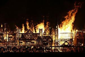 Le feu a été mis à la maquette ce dimanche soir.