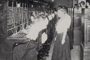 Central téléphonique aux États-Unis, en 1908.