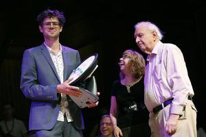 Bruno Verschuere (université d'Amsterdam) reçoit le prix de psychologie pour son étude sur les menteurs.