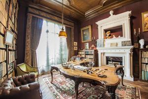 Le cabinet de travail de Georges Clemenceau, dans son appartement rue Franklin à Paris.