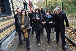 Anne Hidalgo, la maire de Paris, a visité les lieux ce samedi en compagnie de la ministre du Logement Emmanuelle Cosse.