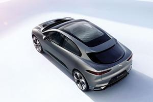 Jaguar annonce un volume de coffre de 530 litres.